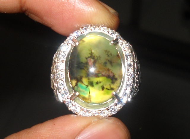 Sold Batu Bacan Kristal...