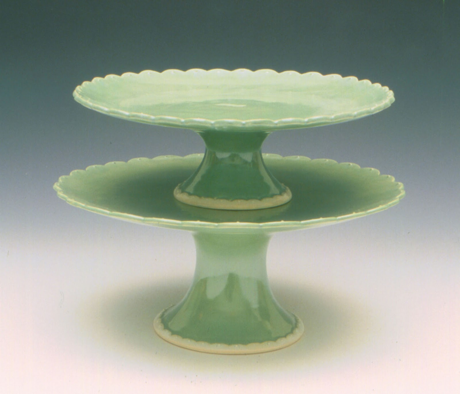 Cake base stands bling wedding cake stand cupcake base for Plate cake stand diy