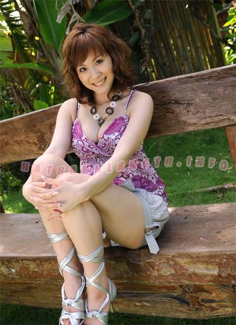 yuma-asami-photo-gallery-060.jpg