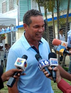Hermano de Miguel Vargas  anuncia respaldo a Hipólito