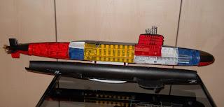 maqueta de submarino con interior