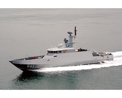 FAST MISSILE BOAT INDONESIAN NAVY  44 M