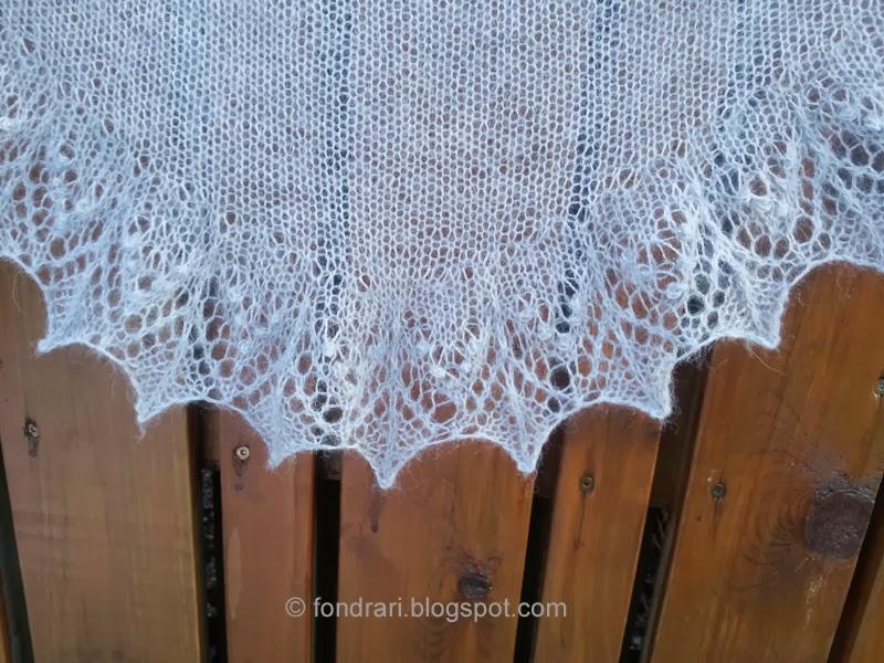 Annis shawl - lítið prjónað sjal - nærmynd