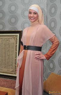 Kumpulan Foto Jilbab Artis Rachel Maryam