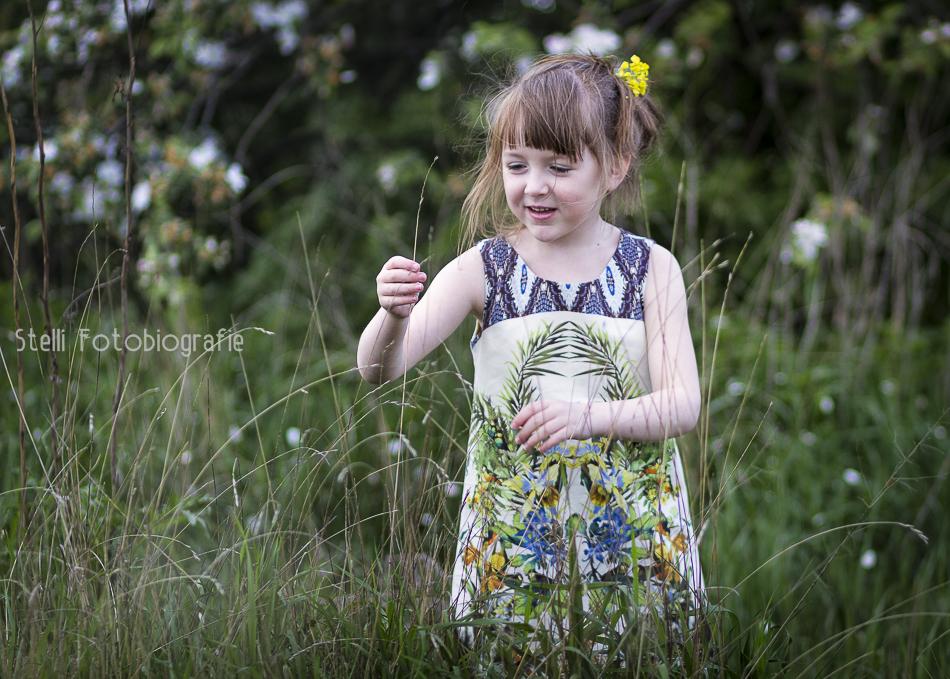 lookbook zara; rzepak; kwiaty we włosach