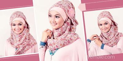 Cara memakai jilbab segi empat yang simple