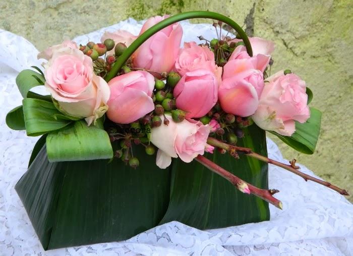 Eccezionale LIETA CIMA: Una borsetta piena di fiori ZM85