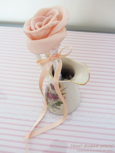 fabric rose in pink wedding favors