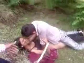Desi Sex In Garden