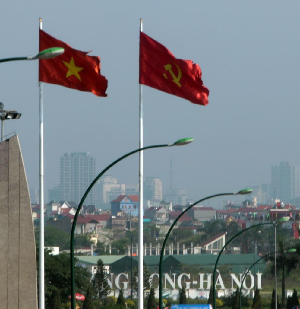 República Socialista de Vietnam 24%2B02%2B2011%2B05%2B06%2B002%252CHanoi%252C%2BStill%2Bcomunist%2BVietnam_resize