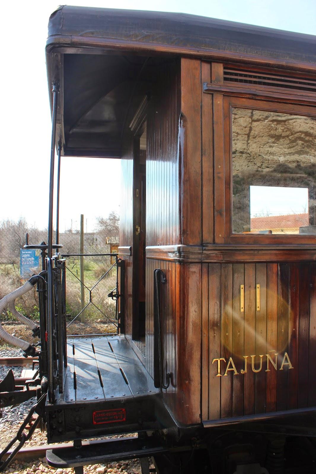 Trenes antiguos. Vagón Tajuña en el tren de Arganda