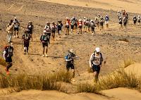 Atleta vegana participa da ultramaratona de Des Sables para ajudar os animais