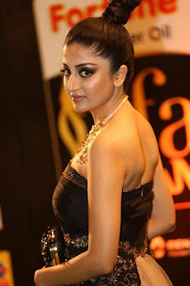 Poonam Kaur Stills at IIFA Utsavam Awards 2016