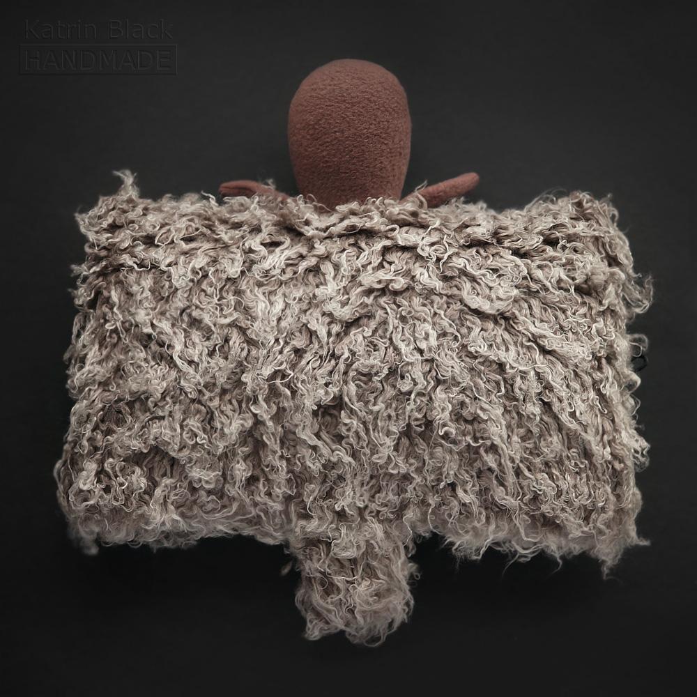 Игрушка ручной работы Овечка - подушка. Сшить овечку. Купить новогодний подарок.