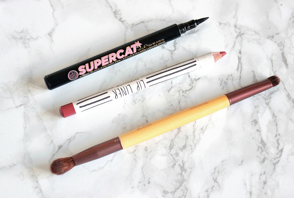 soap and glory supercat liquid black eyeliner, topshop lip liner beehive, ecotools duo brush