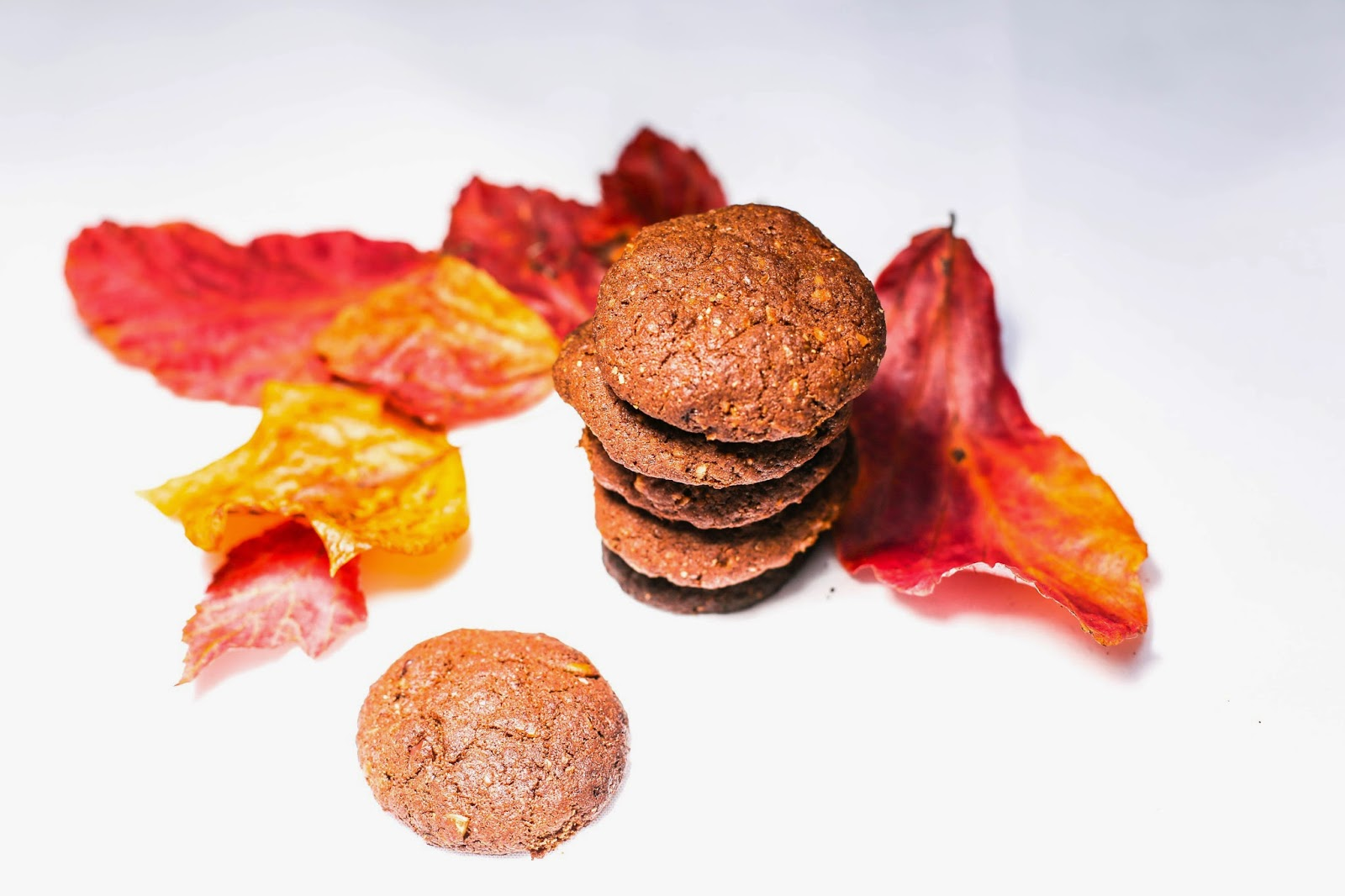 Super crunchy, gluten free and vegan chocolate cookies