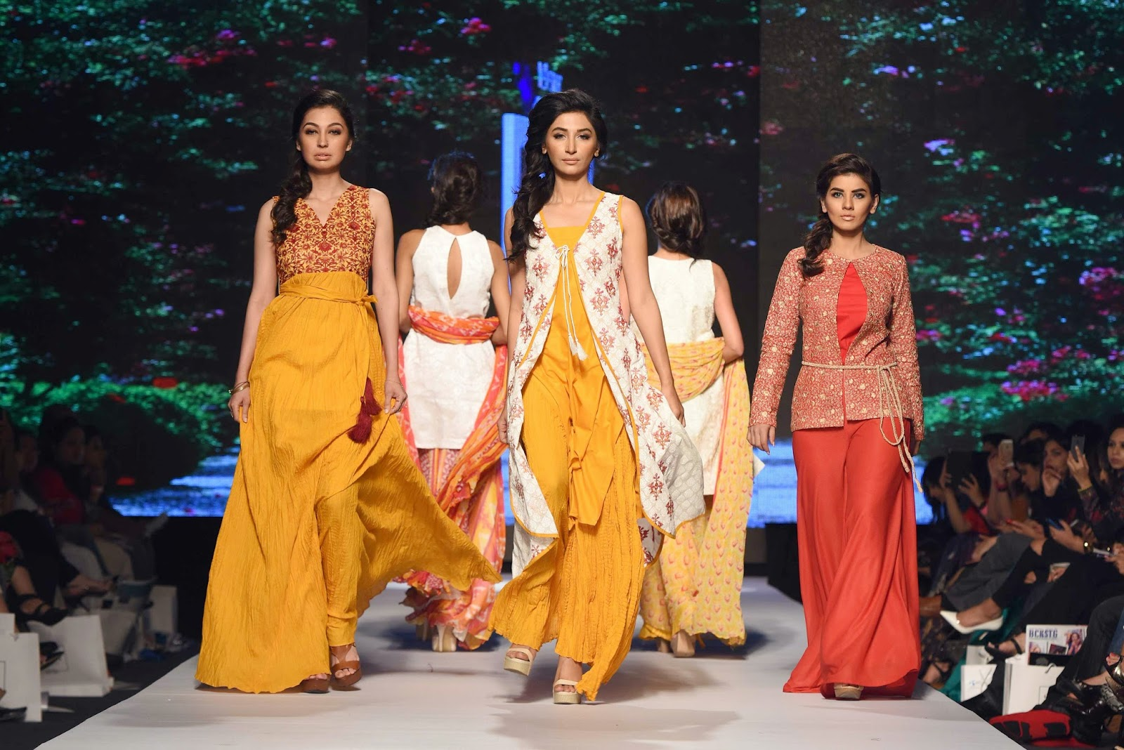 Lala Textiles Telenor Fashion Pakistan Week 2015 Day 1