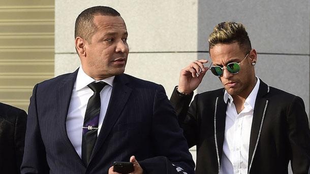 Neymar Senior tranquiliza sobre la renovación de su hijo