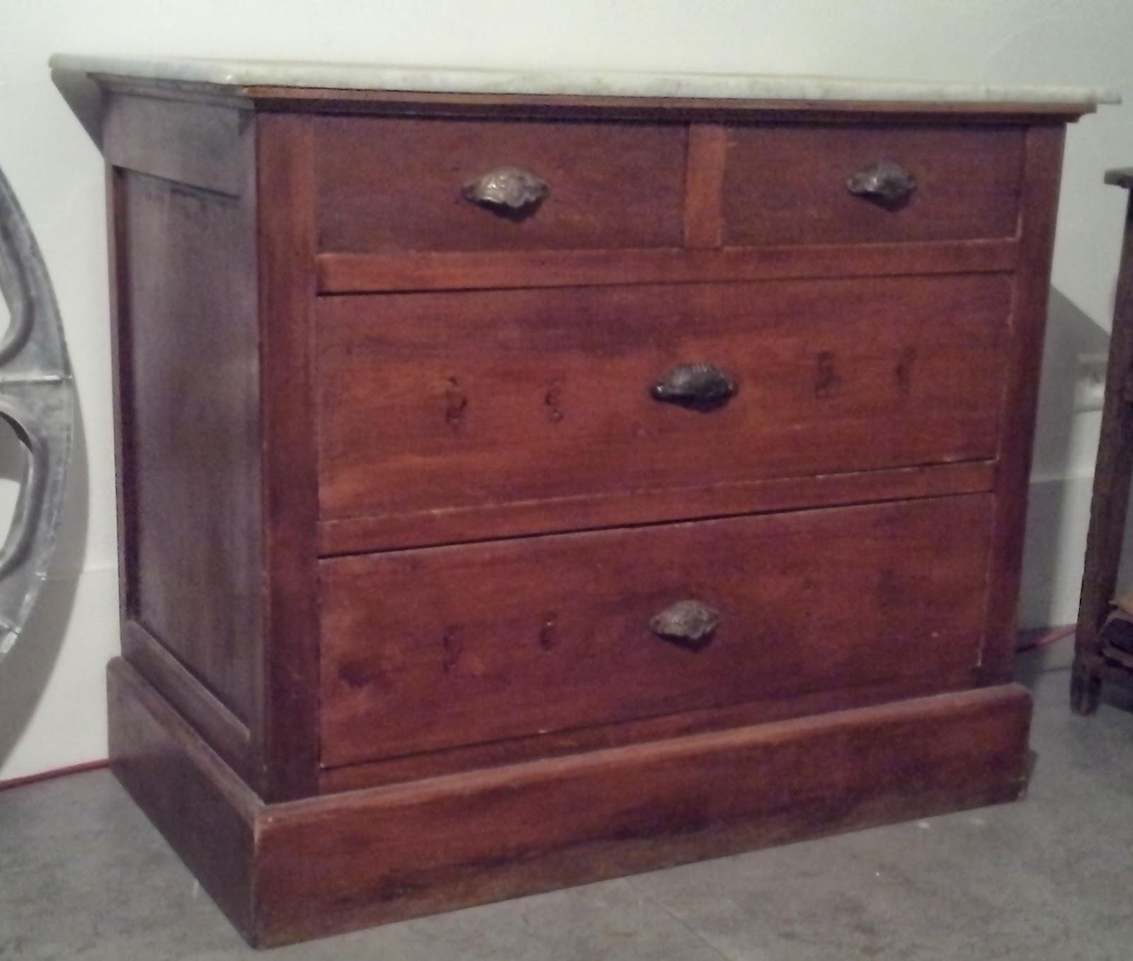 Commode ancienne a tiroirs poign es coquille dessus m - Poignee tiroir commode ...