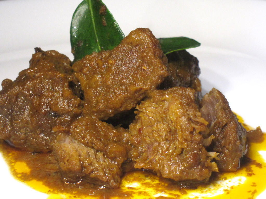 Auntie Ruby's Beef Rendang (Dry Beef Curry) - The Food Canon ...