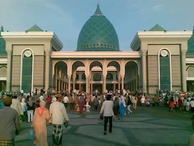 Foto-Foto Masjid Al Akbar Surabaya, Jawa Timur :