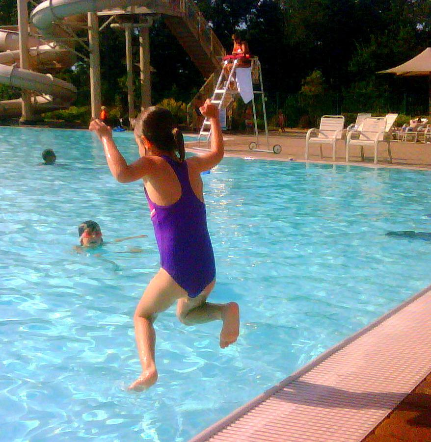 The screaming viking swim show august 2011 for Obi easy pool