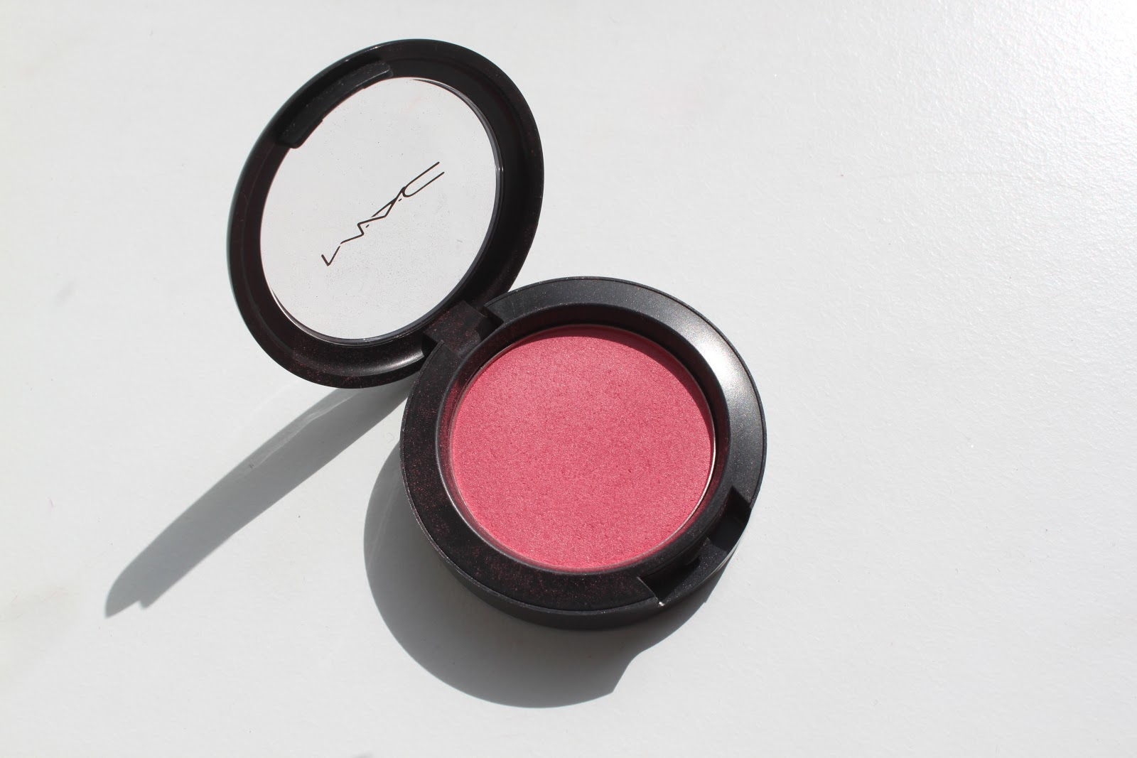 delicate hummingbird.: MAC Blushes revisited: Dollymix.