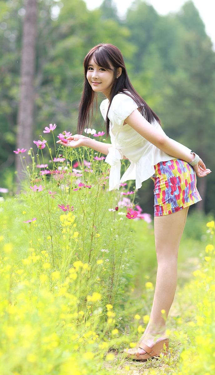 若是你到小城来 (ruò shì nǐ dào xiǎo chéng lái) - If you come to the small town 收获特别多 (shōu huò tè bié duō) - Benefits especially abundant
