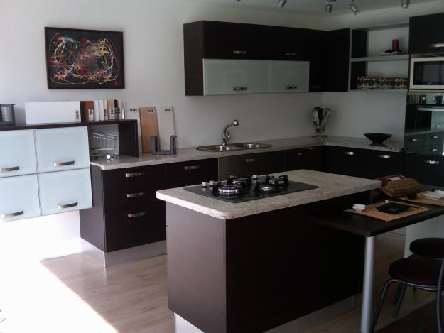 Artisan servicios enero 2012 - Muebles de cocina color wengue ...
