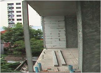 การติดตั้ง เสาเอ็นสำเร็จรูป บริเวณแนวขอบอาคาร ทำให้งานก่ออิฐ สะดวก ปลอดภัย ยิ่งขึ้น