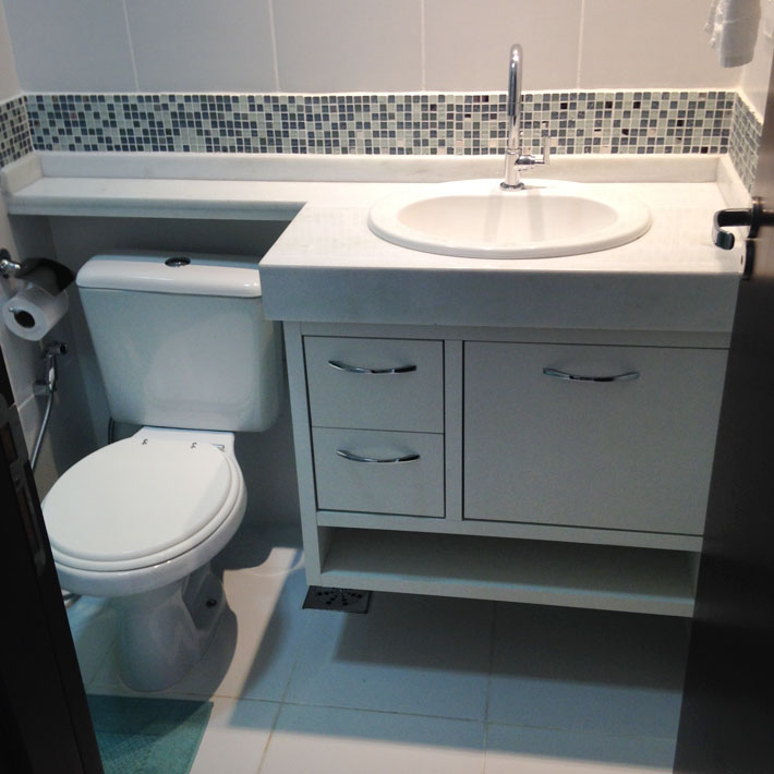 Meus Cachinhos Dourados Saga Meu Apê  Banheiro Minúsculo! Atualizado! -> Armario Banheiro Vaso Sanitario