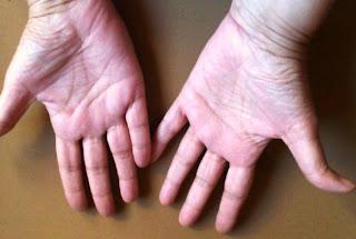Observando las manos