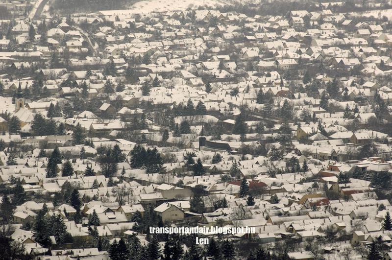Nagyszerda,havas háztetők Budakeszin