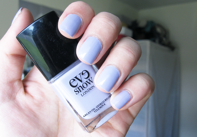 NOTD: Eve Snow - Luck Be A Lady
