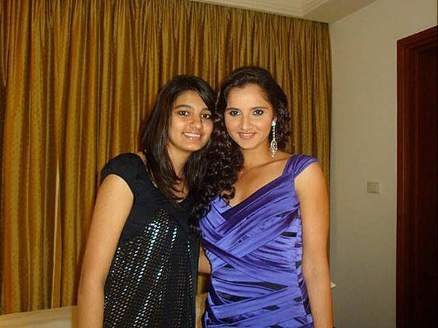 sania mirza family