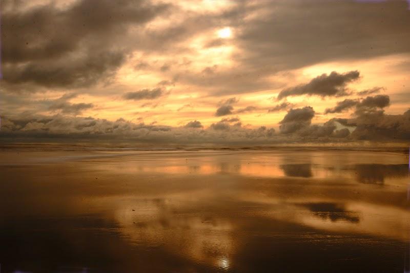 Senja di Teluk Benggala