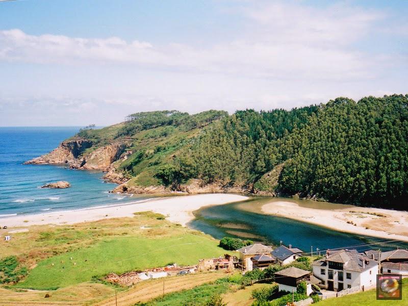 Playa de Cueva en Valdés (Asturias)
