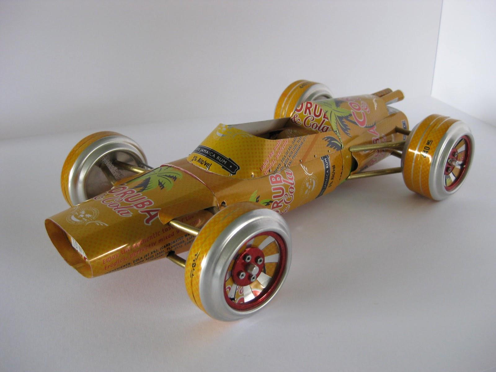 Autos de coleccion a partir de latas de aluminio   .