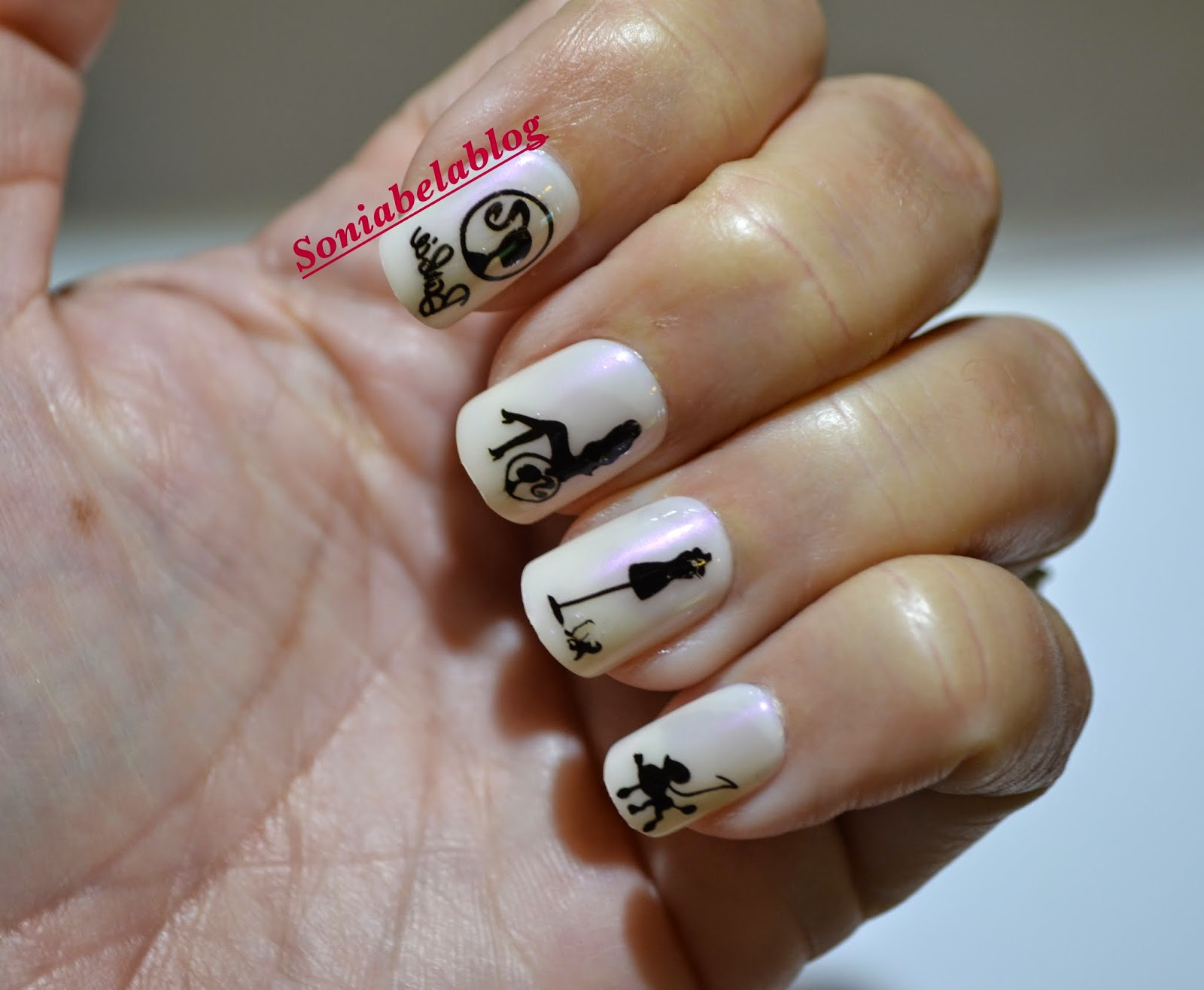 Nail design ideas barbie in black and white easy nail art ii nail design ideas barbie in black and white easy nail art ii soniabela blog prinsesfo Images