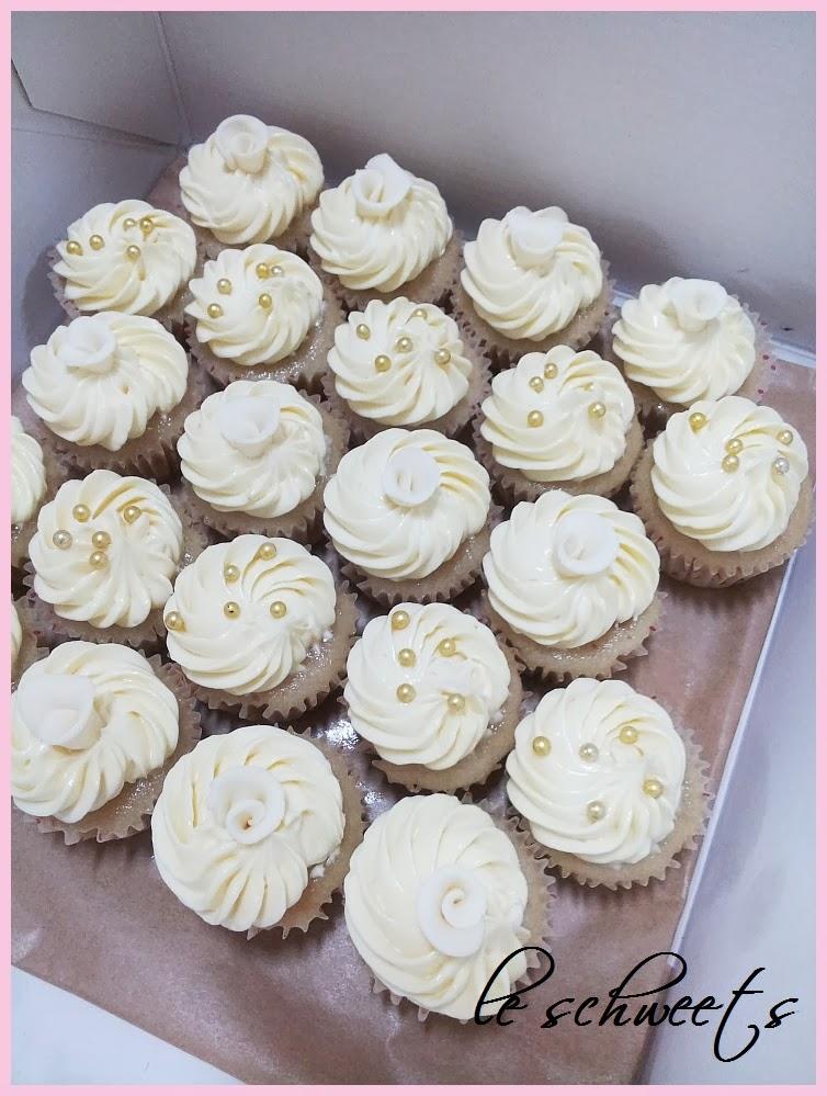 3D: Elegant Rose Cupcakes