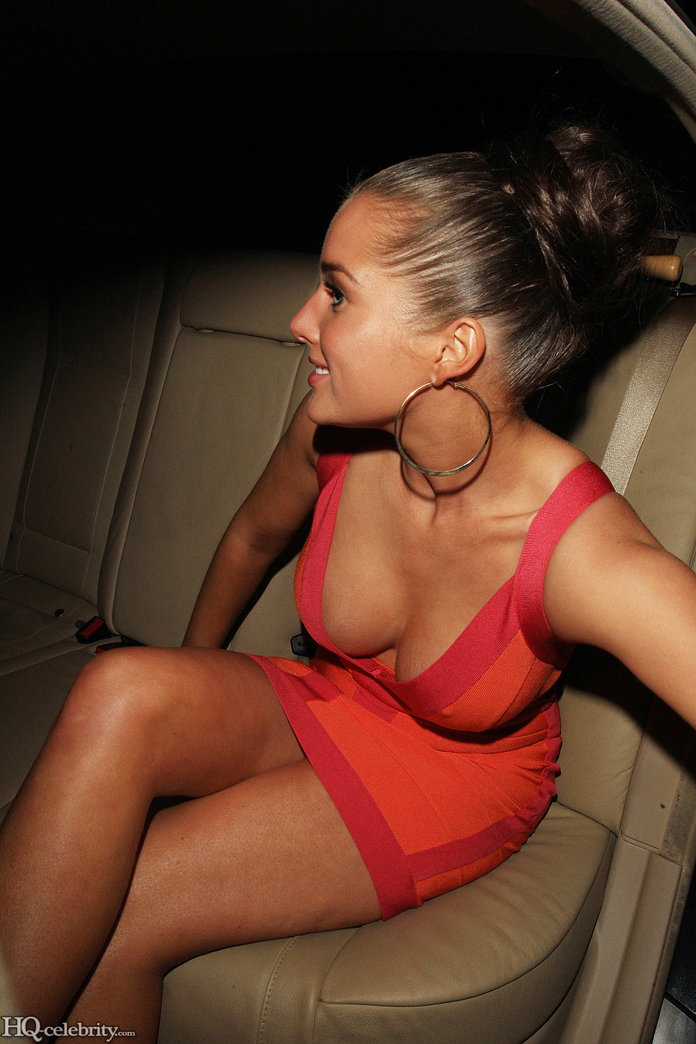 Hot Helen Flanagan showing some cleavage ~ celebs talkies