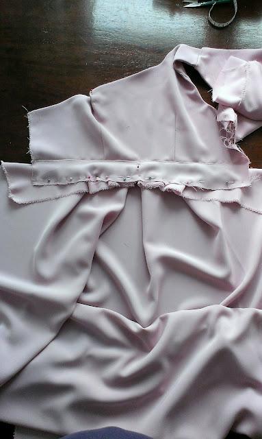 szycie sukienki dla ciężarnej