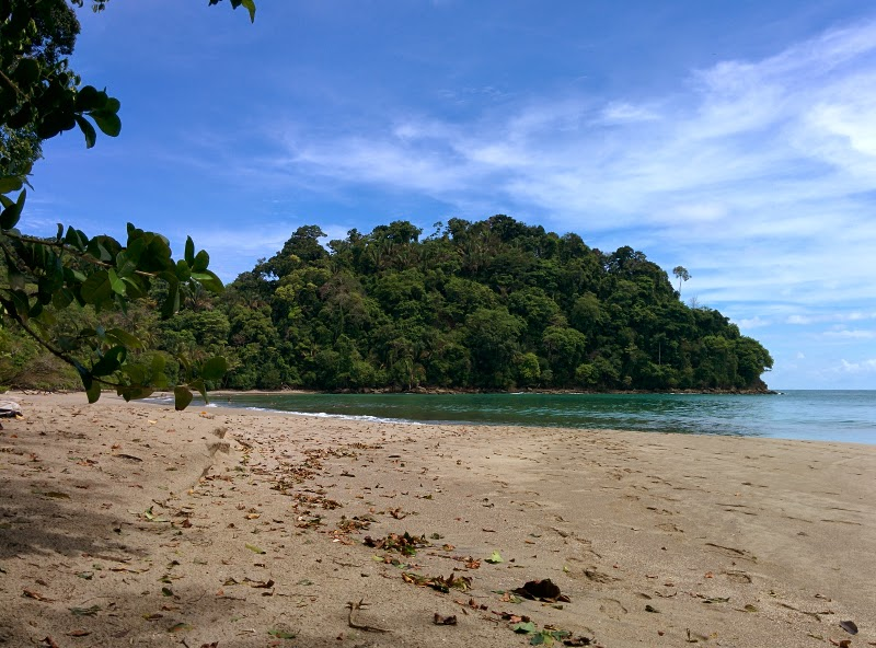 manuel antonio beach national park