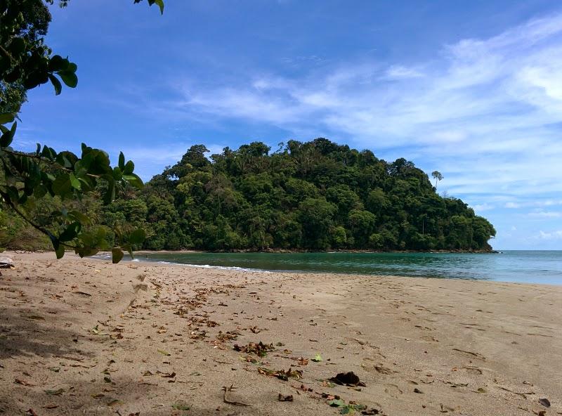 manuel antonio beach national park
