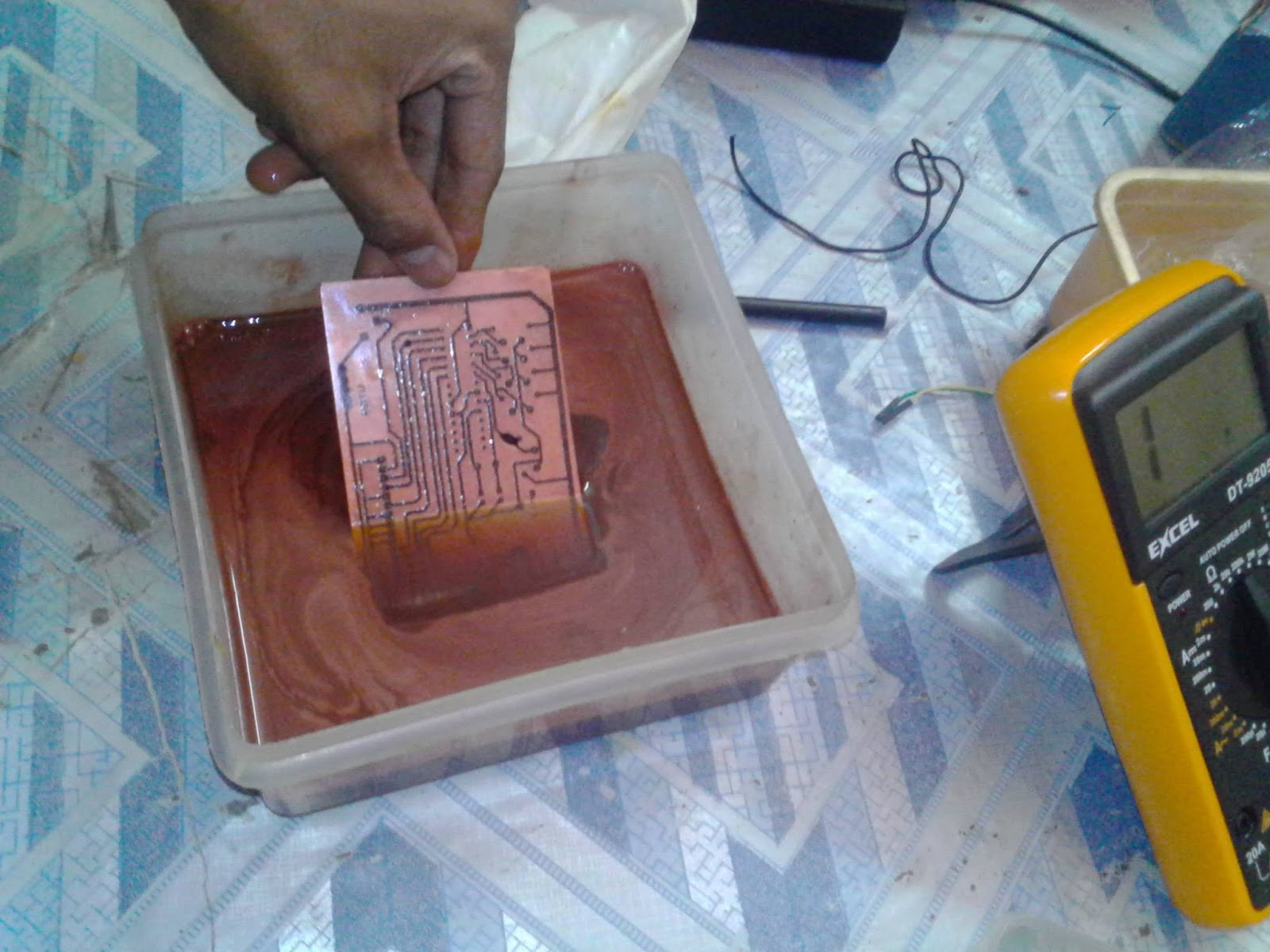 How to make PCB (Printed Circuit Board) at Home [step by step ...