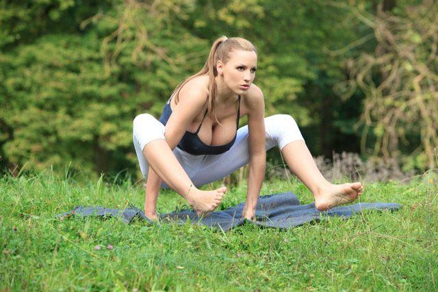 1320939446 jordan carver 06 Um boa Meditação (12 Fotos)