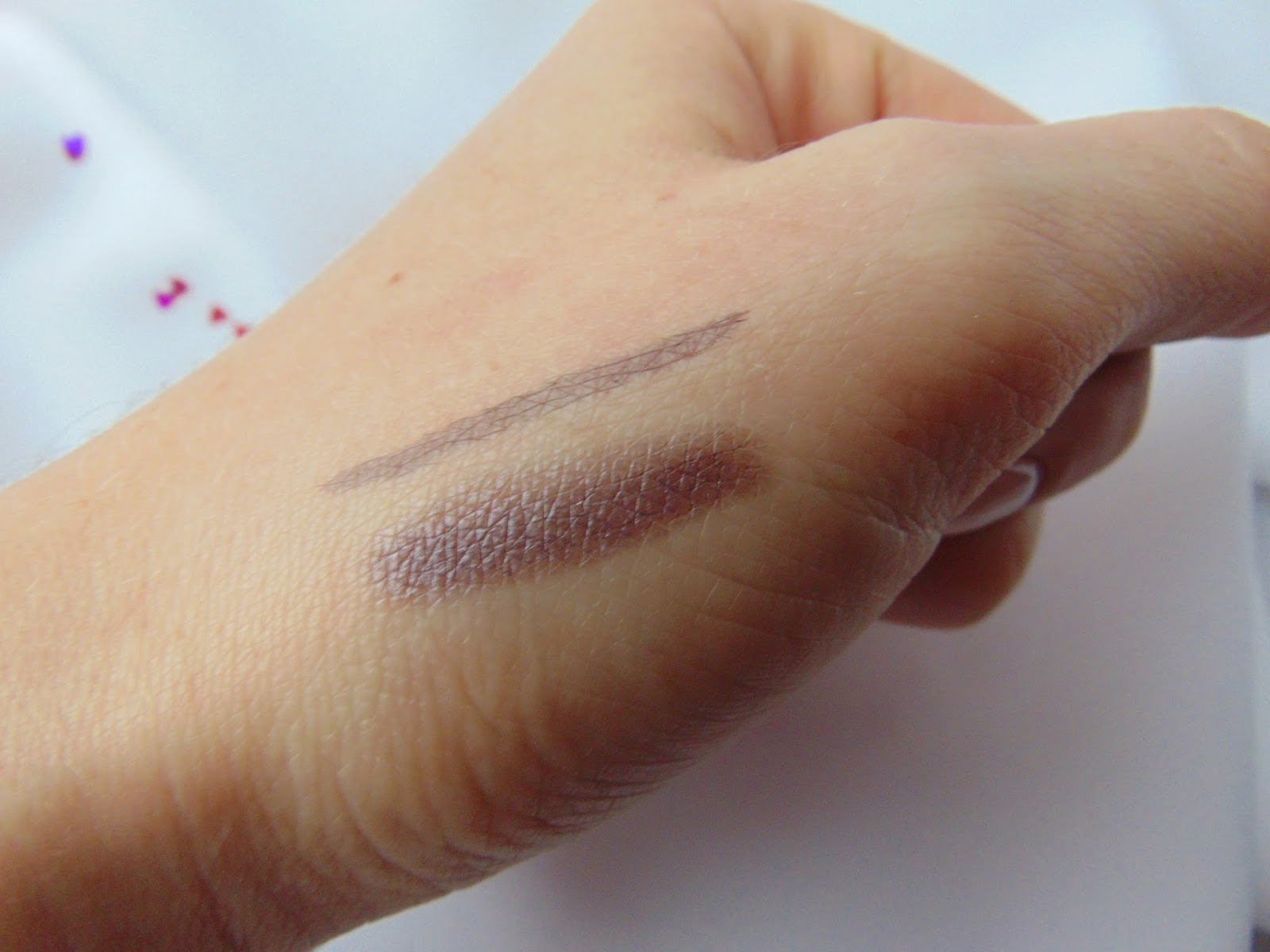 p2 Limited Edition: Just dream like - visionary beauty eye shadow & liner - Modern Violet Swatch - www.annitschkasblog.de