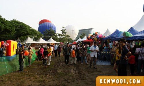 putrajaya hot air balloon stalls