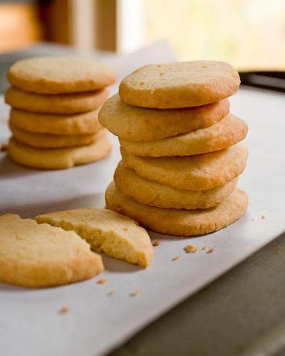 Disgruntled Baker: Olive Oil Shortbread Cookies