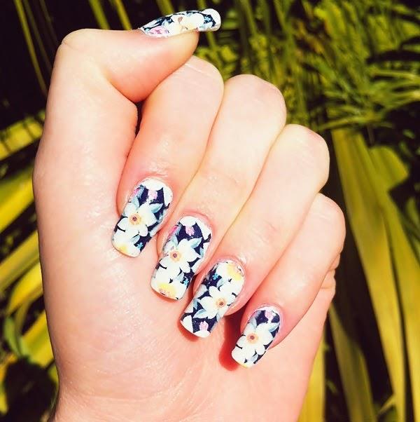 película de unha perfect nail dark floral